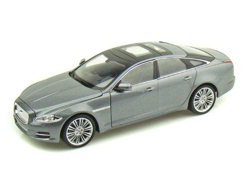 2010 Jaguar XJ 1/24 Grey