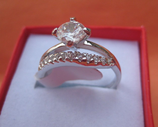 womens Mens fashion 14K white  gold GP Ring Rings clear crystal