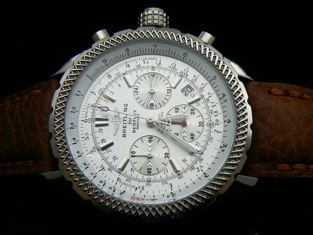 BREITLING BENTLEY 30S ch rONO QUARTZ WHITE DIAL LEATHER