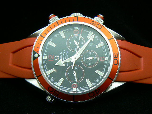 OMEGA PLANET OCEAN AUTOMATIC ORANGE RUBBER STRAP